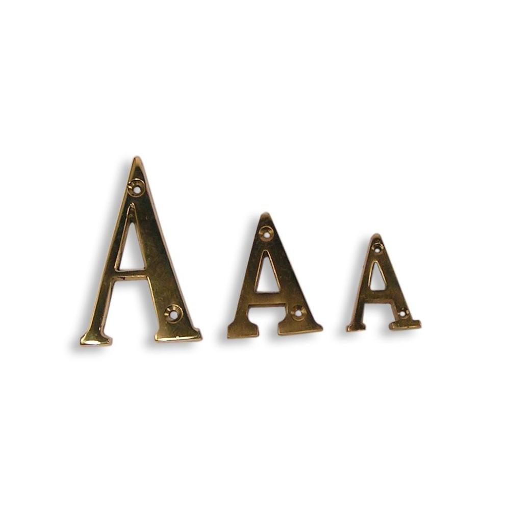 Lettre de l'alphabet en laiton fondu