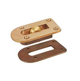 Simple bronze coaming lead