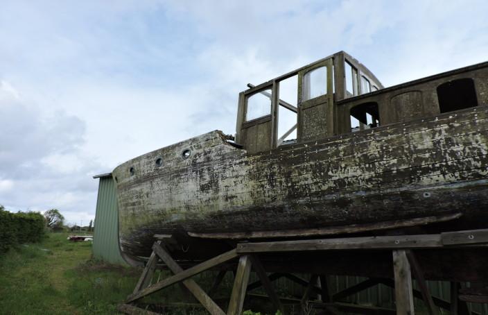 Bateau en bois pour restauration