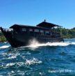 Bateau traditionnel birman, commuter boat.