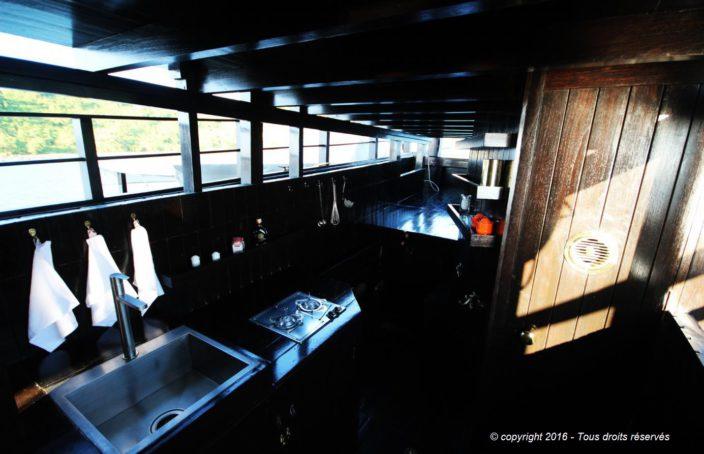 construction et am nagement d 39 un bateau traditionnel birman. Black Bedroom Furniture Sets. Home Design Ideas