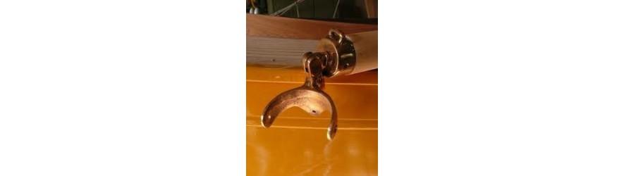 Colliers et ferrures de mat en bronze pour bateaux