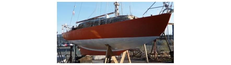 peintures, laques et antifouling pour bateau