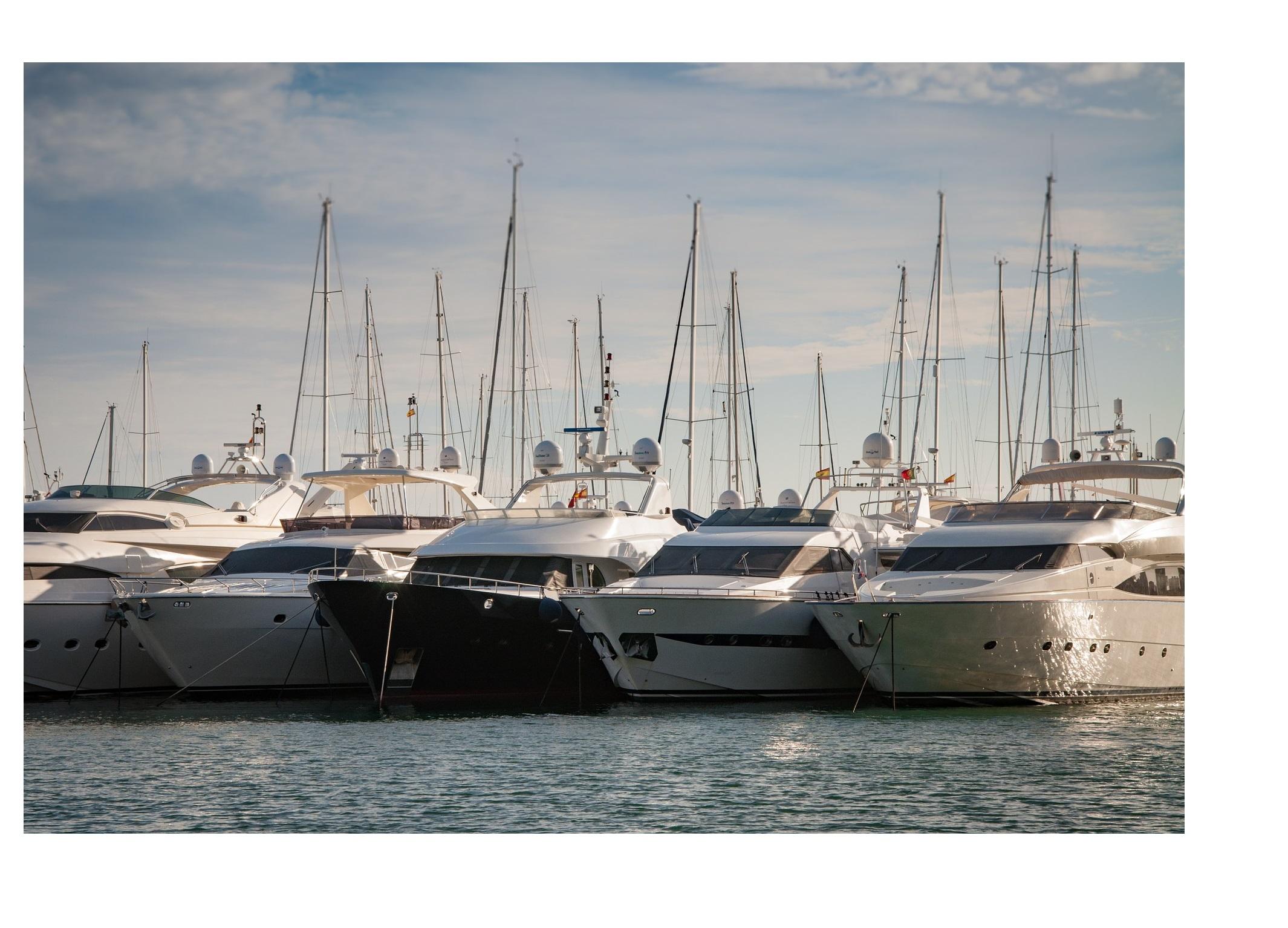 bateaux et yachts de luxe